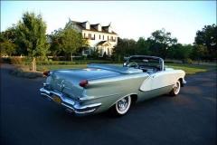 1956-Oldsmobile-Starfire